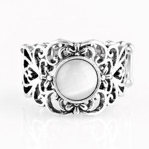 Vienna View - White Ring